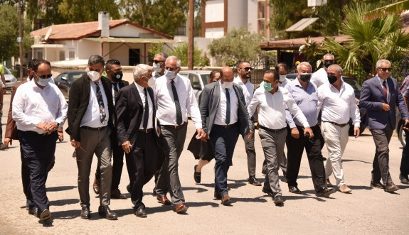 Belediye Başkanları Başbakanlığa yürüdü