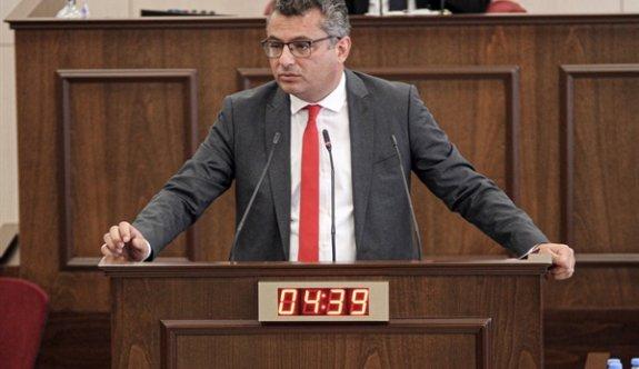Erhürman: Azınlık hükümeti diktatörlük kurmaya çalışıyor