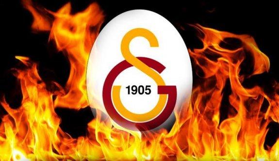 Galatasaray'da başkan adayları listelerini teslim etmeye başladı