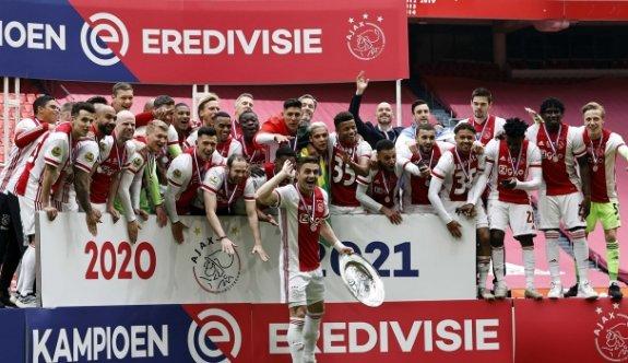 Hollanda Ligi'nde şampiyon Ajax