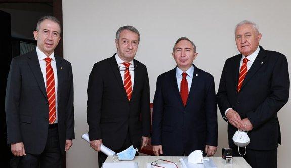 Metin Öztürk resmen Galatasaray başkanlığına aday