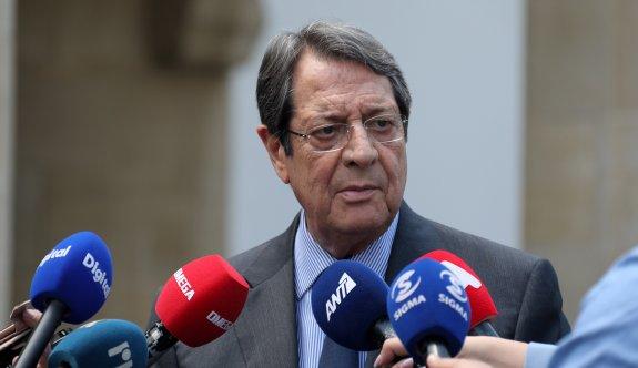 Anastasiadis 4,4 milyor Euro'luk AB ödeneği için destek arayışında