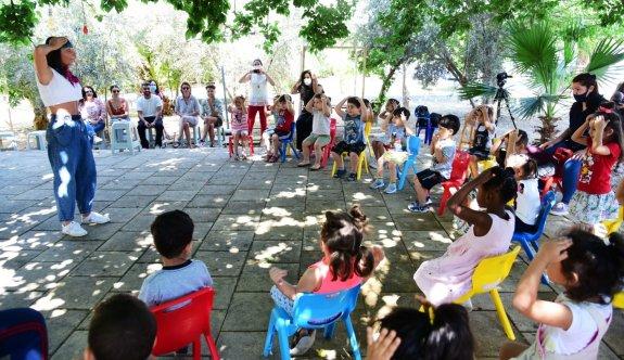 EMAA yayınladığı çocuk kitaplarını çocuklara tanıttı