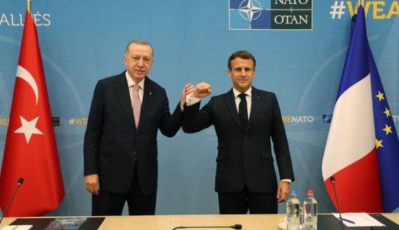 Erdoğan, NATO zirvesinde Macron ile görüştü