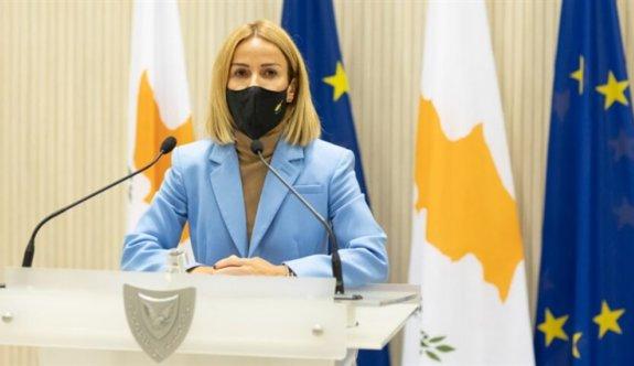 Güney Kıbrıs'ta Adalet Bakanı Yoliti'den olaylı istifa