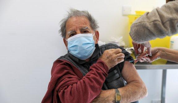 Güneyde yaşlılar için üçüncü doz aşı gündemde