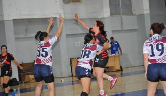 Hentbol kadınlarda play-off zamanı