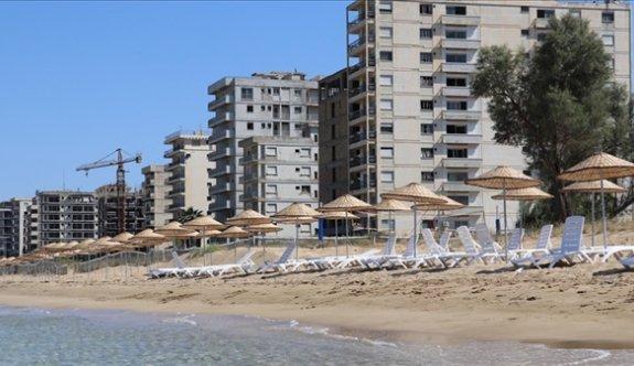 Kapalı Maraş'ta iki plaj daha hizmete açılıyor