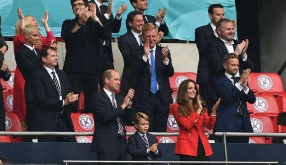 Kraliyet Ailesi, İngiltere-Almanya maçını tribünlerinde izledi