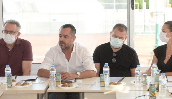 Tenis Federasyonu Gazioğlu'yla devam