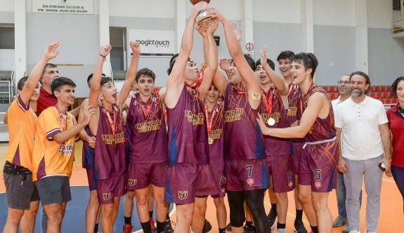 U17'de şampiyon YDÜ