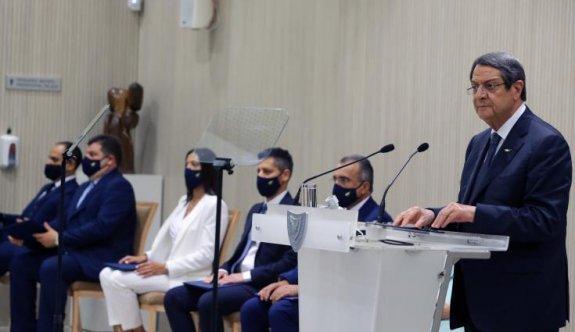Anastasiadis, 'Altın pasaport' skandalı için özür diledi