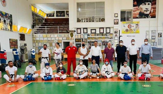 Başbakandan taekwondoculara bayram ziyareti