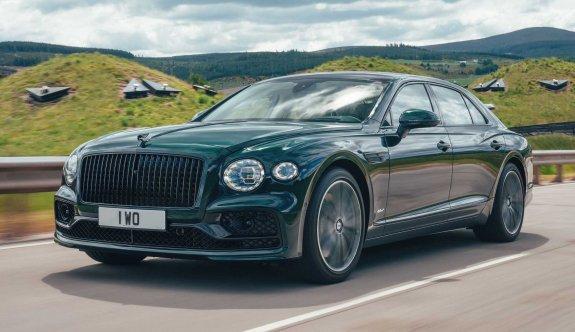 Bentley Flying Spur, elektriğin gücü ile tanıştı