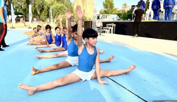 Cimnastikçiler çocuk şenliğine renk kattılar