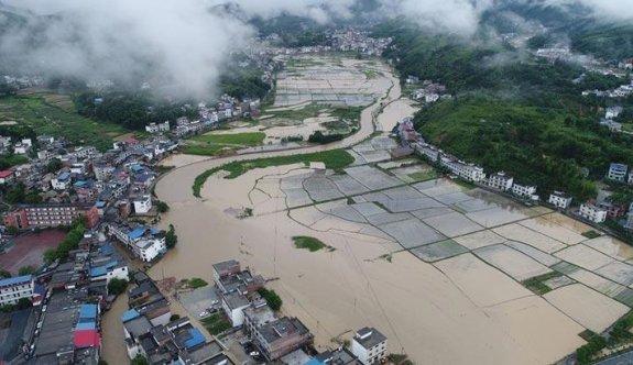 Çin'de bin yılın en şiddetli yağmuru