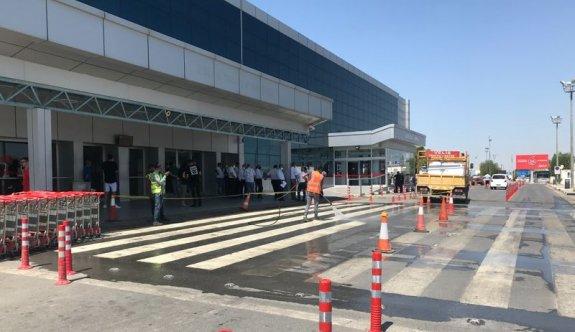 Değirmenlik Belediyesi Havalimanı bölgesinde peyzaj çalışmalarına devam ediyor