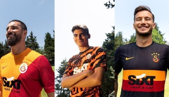 Galatasaray yeni  sezon formalarını tanıttı