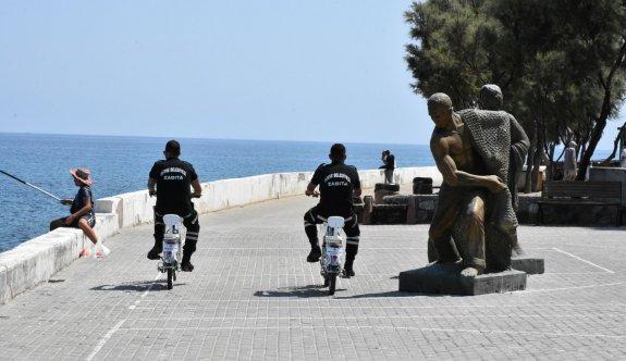 Girne Belediyesi Trafik Zabıta ekipleri çevreci elektrikli bisikletlerle görev yapıyor