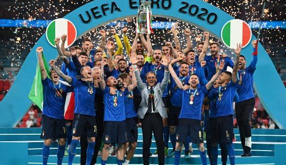 İtalya'ya 4 milyar euroluk gelir