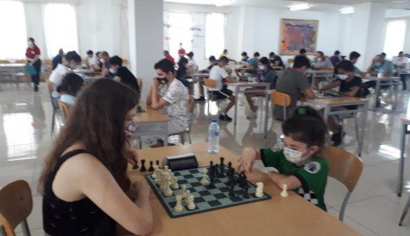 Kadınlar Satranç Şampiyonasına erteleme