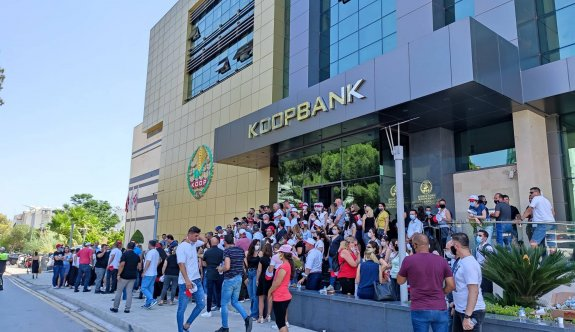 Koop Bank'ta greve devam