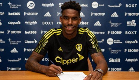 Leeds United, Barçalı Junior Firpo'yu transfer etti