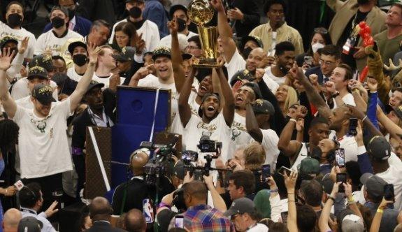 Milwaukee Bucks 50 yıllık hasrete son verdi