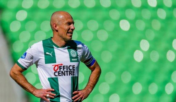 Robben 2. kez futbolu bıraktı