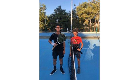 Teniste heyecanlı maçlar oynanıyor