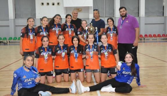 Hentbol U-16'da şampiyonlar belirlendi