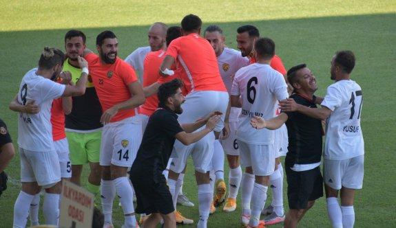 Ünallı Aliağaspor, yarı finalde