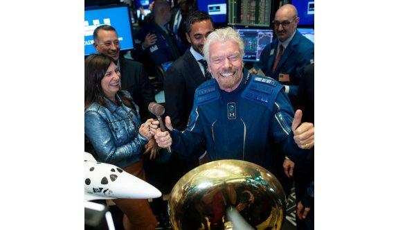 Uzaya giden ilk milyarder Branson oldu