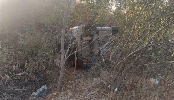Alkollü sürücü yoldan çıkarak toprak sete çarptı