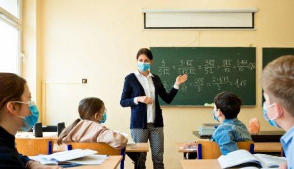 Bulaşıcı Hastalıklar Üst Komitesi okullarda uygulanacak kuralları açıkladı