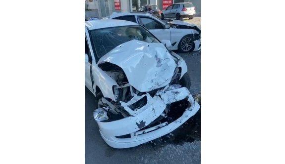 Ehliyeti alınan alkollü sürücü kazaya neden oldu