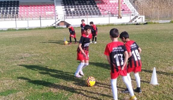 Hamitköy Futbol Akademisi hız kesmiyor