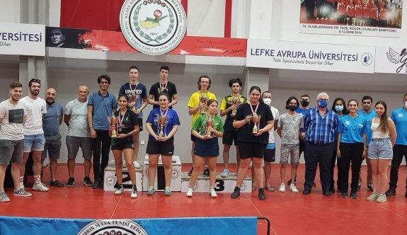 Masa Tenisinde gençlerin şampiyonları Kezal ile Baran