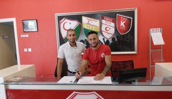 Rifat, Hamitköy'e imzayı attı