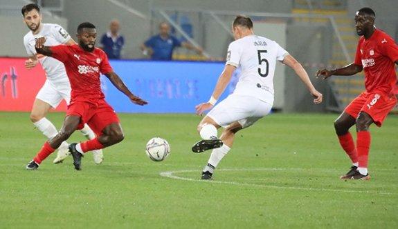 Sivasspor deplasmanda avantajı kaptı