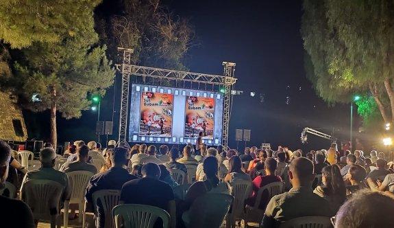 """""""Süt Babam"""" adlı belgesel filmin Lefkoşa galası yapıldı"""