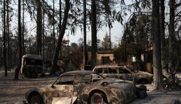 Yunanistan'ın başkenti Atina da yangınlarla boğuşuyor