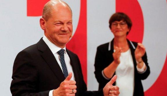 Almanya'da Sosyal Demokratlar seçimleri kazandı