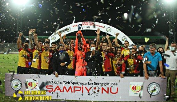 Dumlupınar'ın ikinci KTSYD Kupası mutluluğu