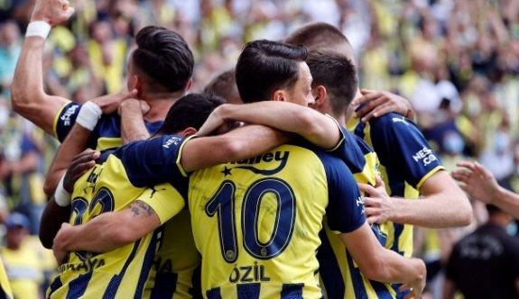 Fenerbahçe, Eintracht Frankfurt'a konuk oluyor