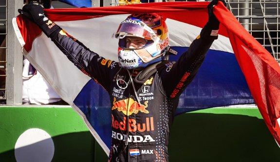 Hollanda'da zafer Verstappen'in