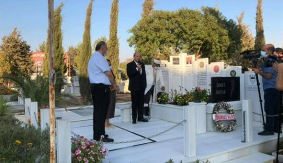 İsmet Kotak mezarı başında anıldı
