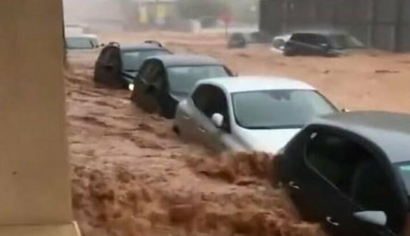 İspanya, şiddetli yağmurlara teslim oldu