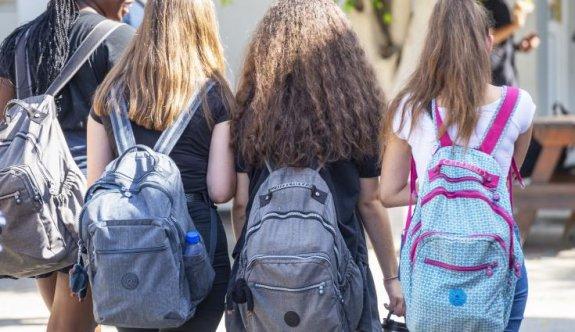 Rum okulları 'safe pass' ile açıldı