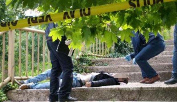 22 yaşındaki genç parkta ölü bulundu